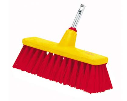 Longer, stiff bristles for everyday garden path and patio sweeping.