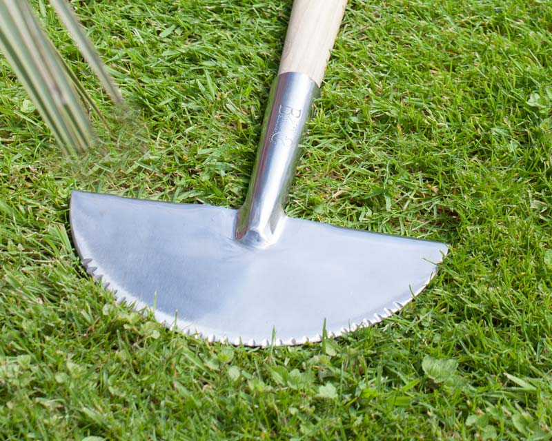 Long Handled Half Moon Edger  close up