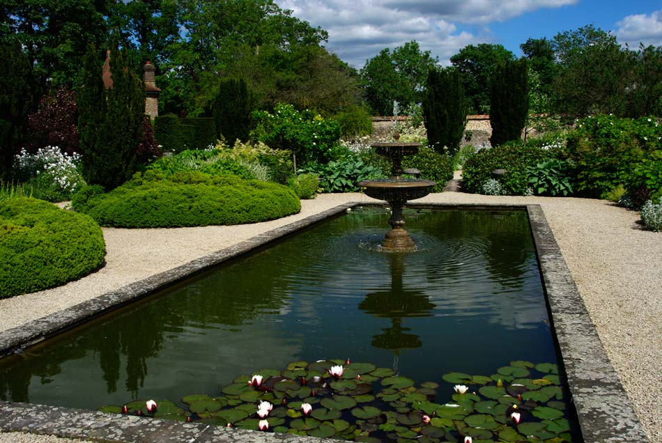 The fountain in the centre of the white garden at Losely Park