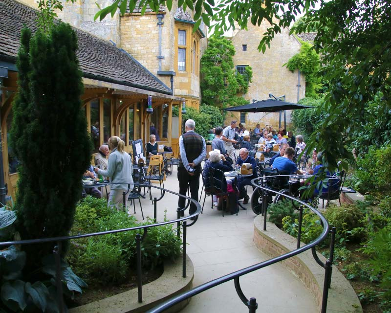 Hidcote Alfresco Eating
