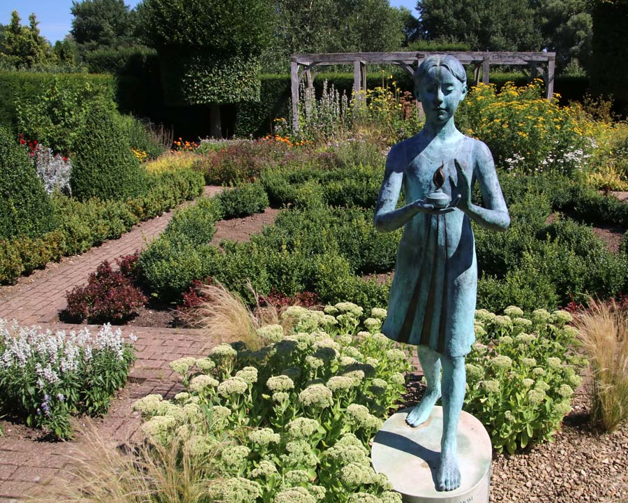 The Silent Garden - Waterperry Gardens
