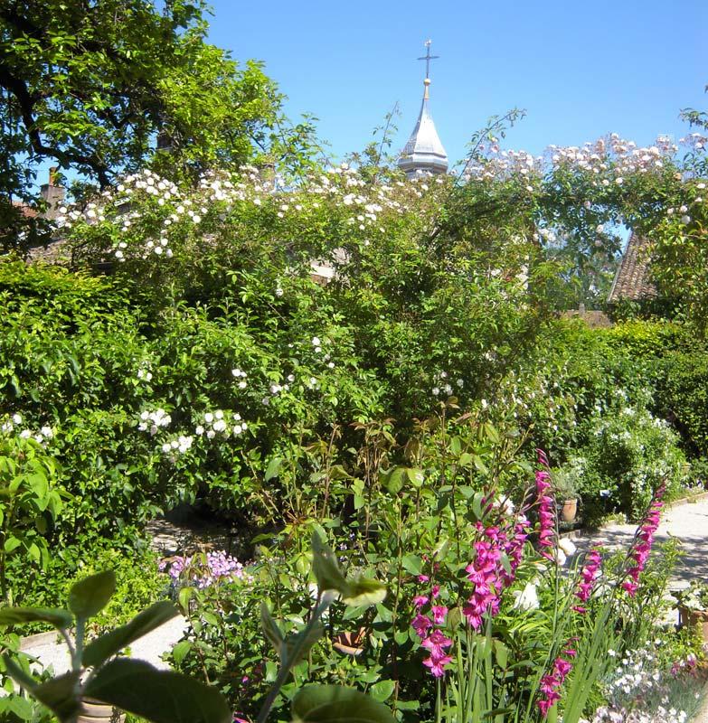 Gardensonline gardens of the world jardin des cinq sens for Jardin 5 sens guadeloupe