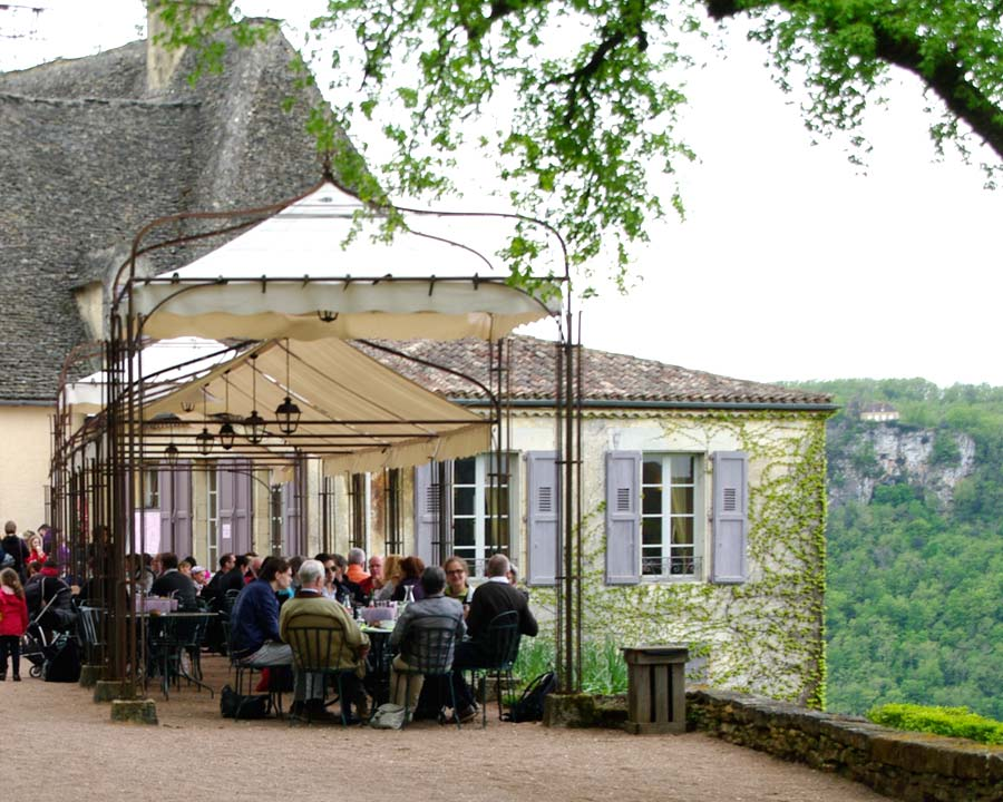 After 6kms of walking the tea rooms are a welcome sight  - The Gardens of Marqueyssac