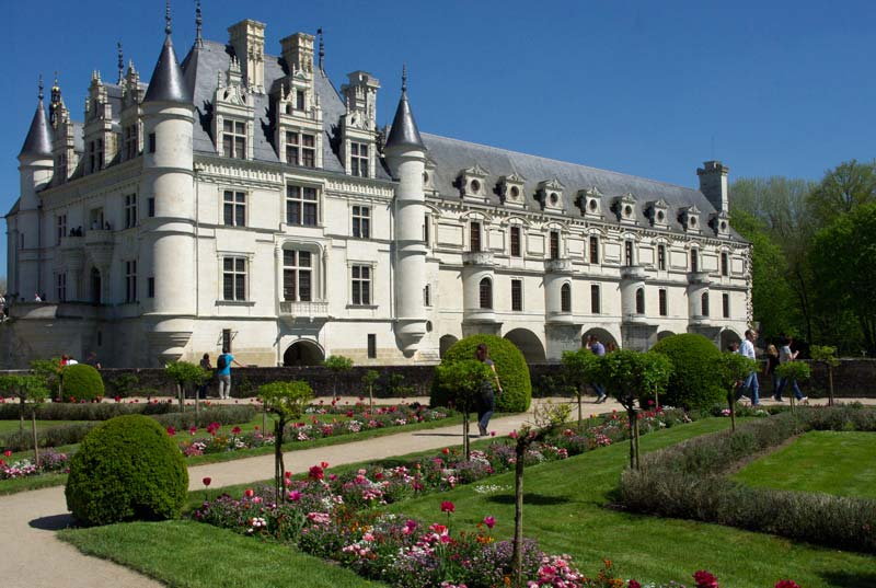 The classically beautiful Chateau de Chenonceau
