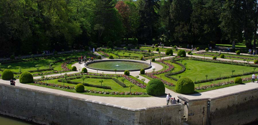 A view of the Catherine de Medici garden from the Chateau de Chenonceau