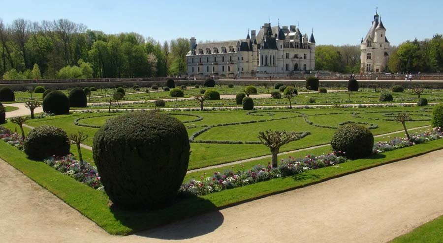 View across Diane de Poitier's garden to the Chateau de Chenonceau