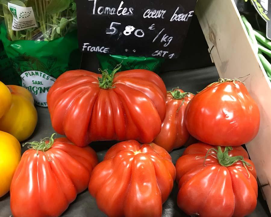 Lycopersicon esculentum Oxheart, Coeur Boeuf - Avignon market - France
