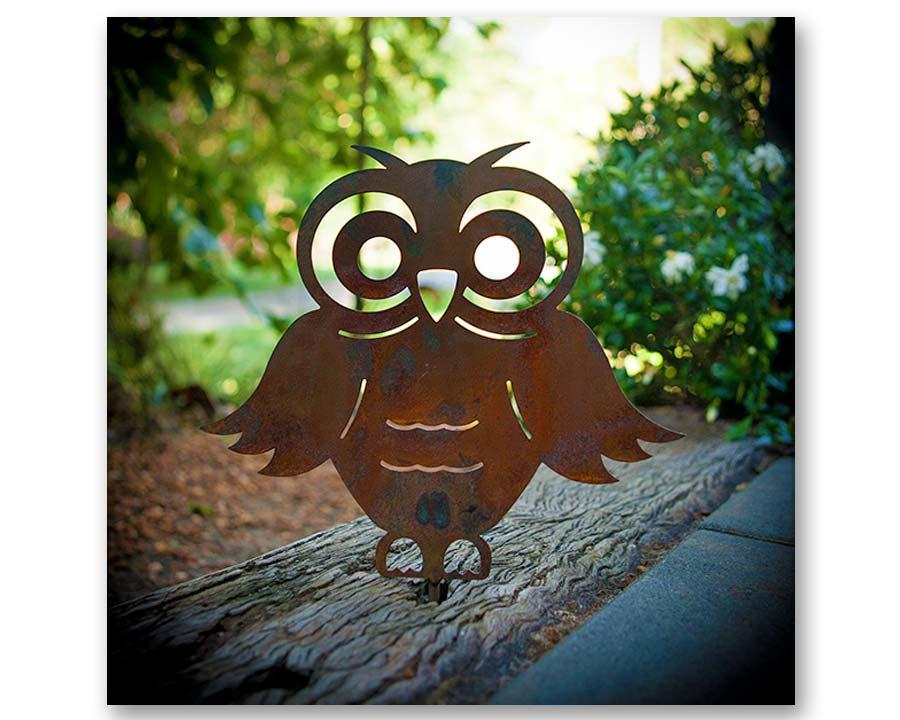Owl - decorative garden art