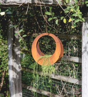 Hanging Circle Planted made from corten weathering steel