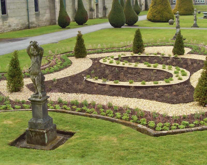 Everedge steel garden edging making perfect parterre