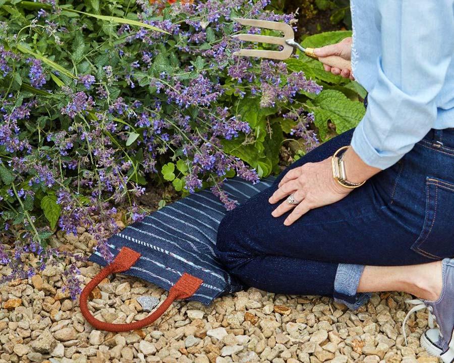 Sophie Conran garden kneeler