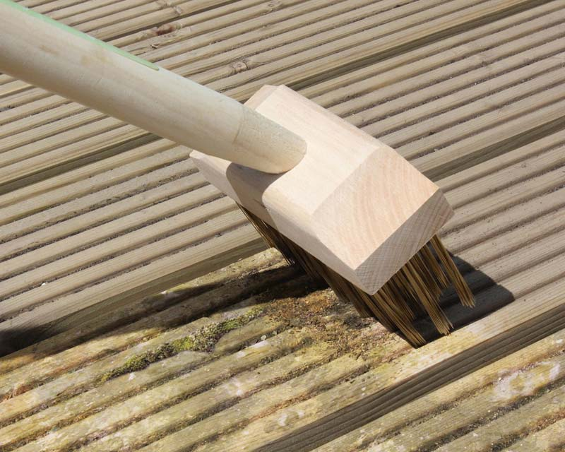 Long Handled Miracle Decking Brush part of the Burgon and Ball Range of Miracle Brushes
