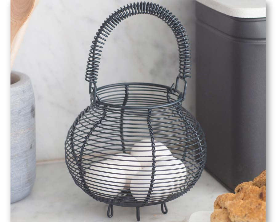 Wire egg basket in Carbon colour
