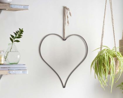 Farringdon Heart - simple good looks on any wall