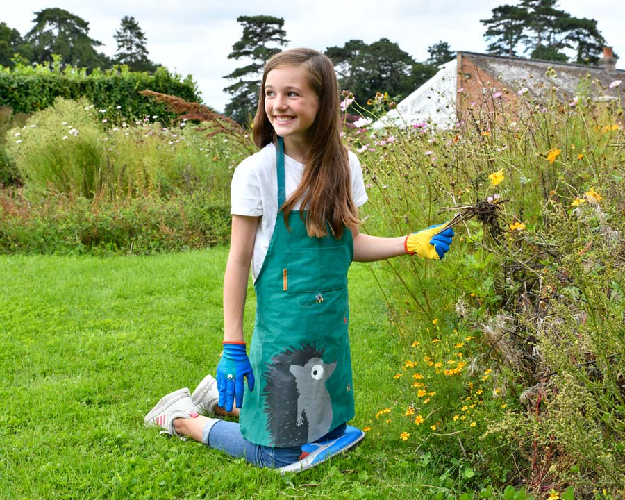 Children's Apron by National Trust - happy gardening with protected clothes