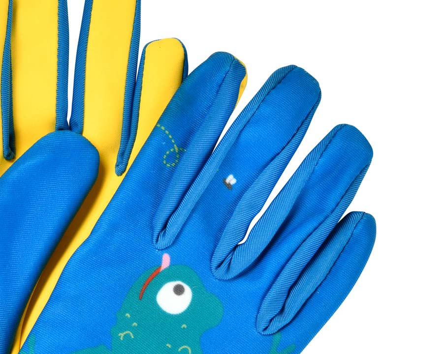 Children's gardening gloves - Frog design  a quality product from the  National Trust.