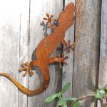 Geko - decorative garden art