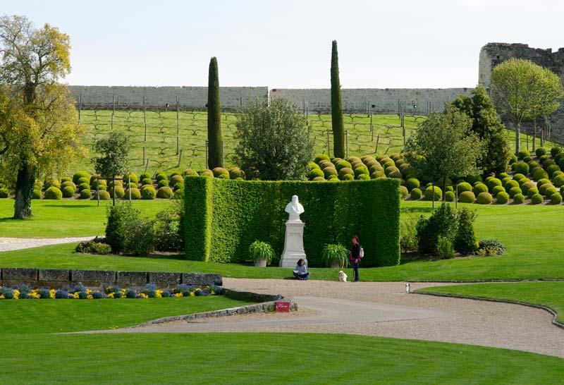 GardensOnline: Chateau Royal d\'Amboise | Gardens Of The World