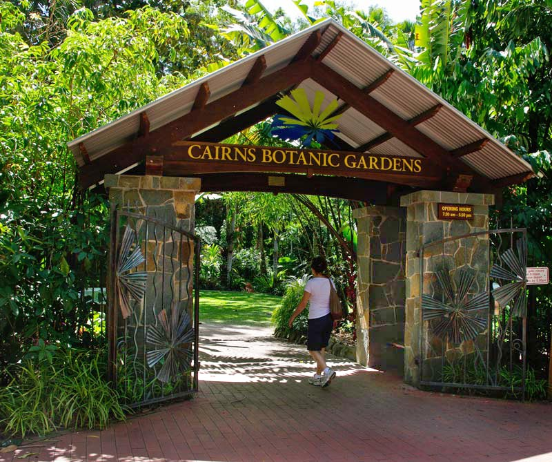 Gardensonline cairns botanic gardens gardens of the world main entrance to flecker gardens cairns sisterspd