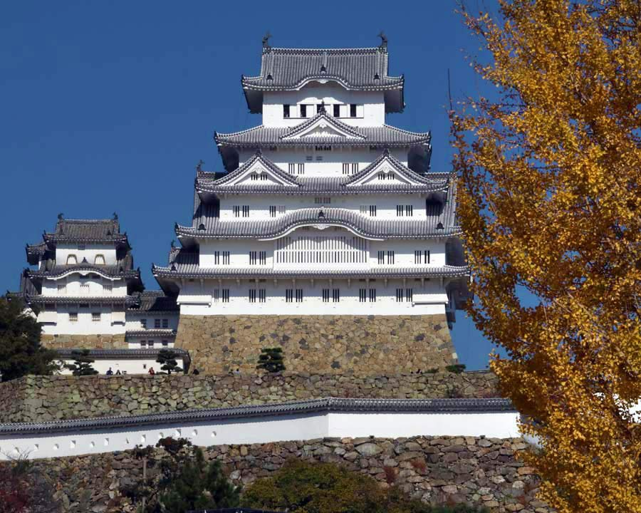 Hemi-ji Castle overlooking the Koko-en Gardens