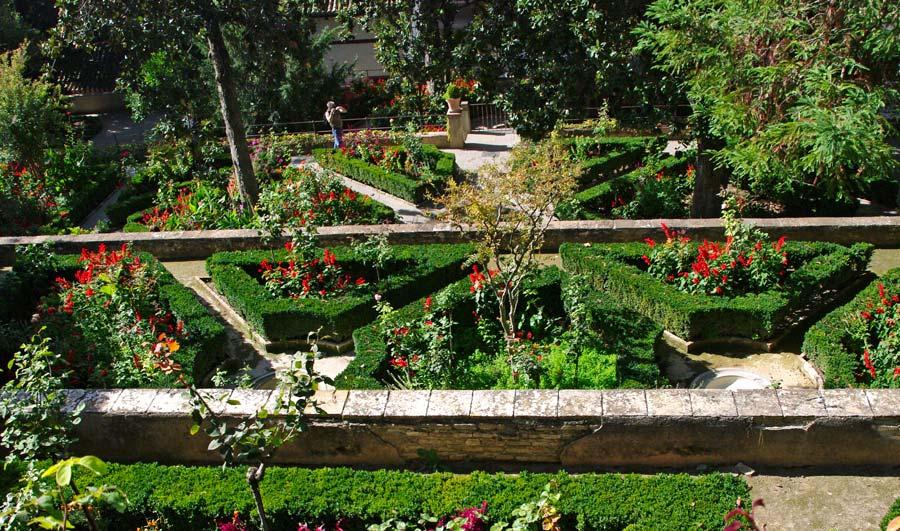 Gardensonline alhambra the generalife gardens of the for Generalife gardens