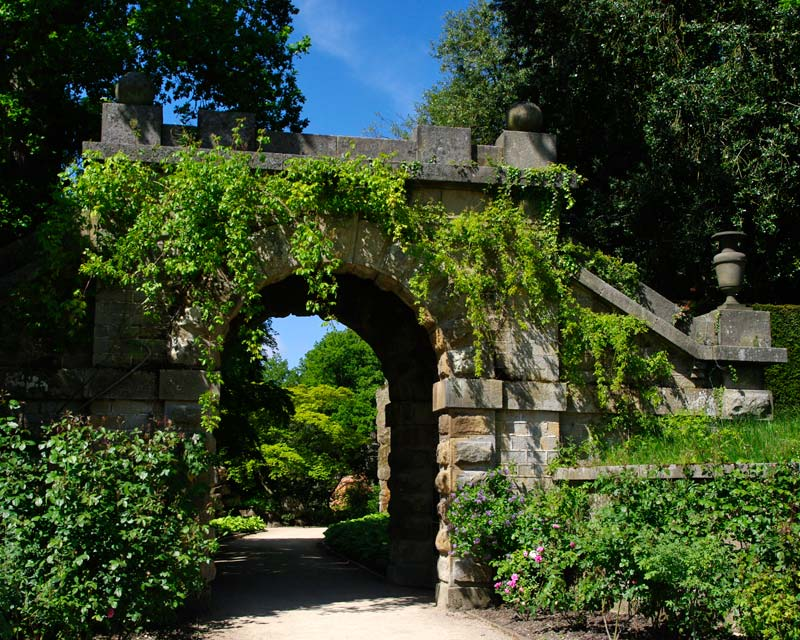 Chatsworth House and Garden   Gardens Of The World ...