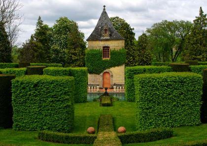 pavillion of rest les jardins du manoir deyrignac - Jardin D Eyrignac