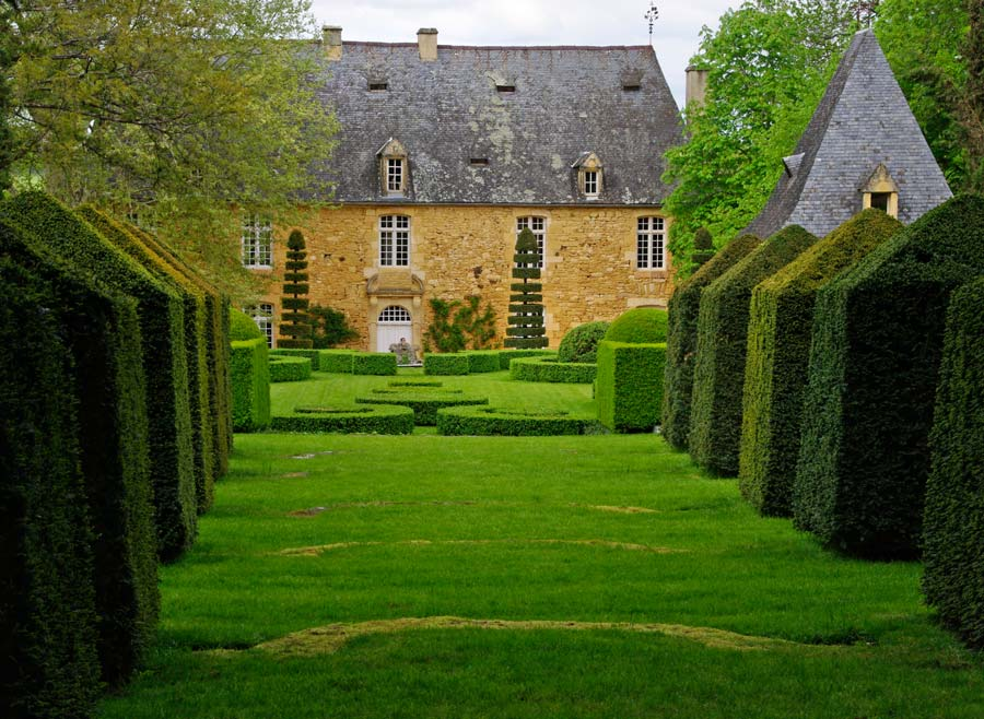 gardensonline les jardins du manoir d 39 eyrignac gardens. Black Bedroom Furniture Sets. Home Design Ideas